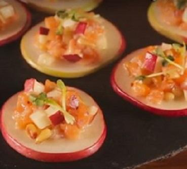 recette-1-1-tartare-de-saumon-pommes-noix-de-pin-et-sirop-derable